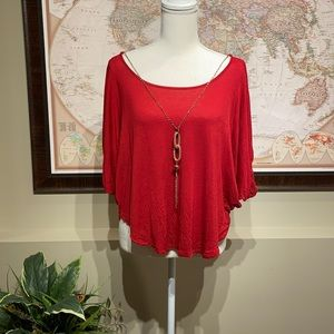 Flowy top with chain
